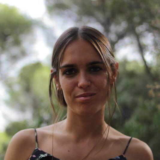 Mila Cocpy copywriter experta en funnels